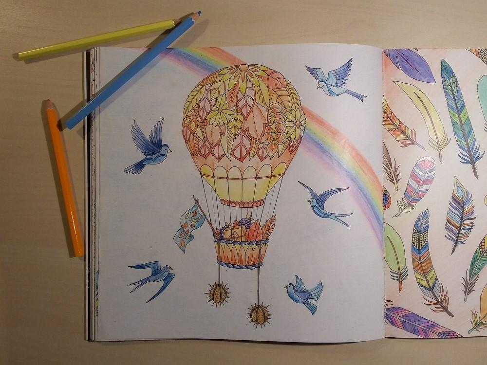Ausmalbuch bemalte Seite Heißluftballon