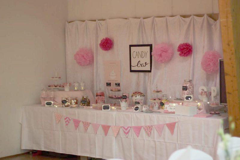 Candy Bar für die Hochzeit in rosa und weiß