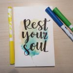 "Aquarellkarte mit Handlettering ""Rest your soul"""